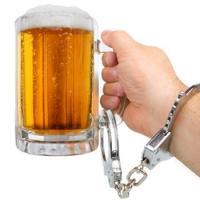 Пивной алкоголизм: причины возникновения, симптомы и лечение